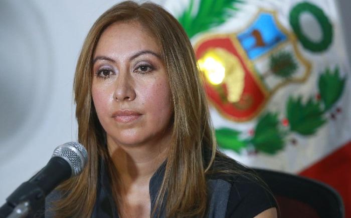 """Ex procuradora Katherine Ampuero cae por """"irrespeto a la Ley"""""""